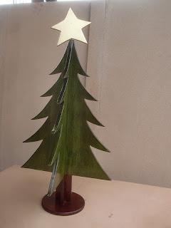 Decoraciones manualidades en madera como hacer un arbol - Arboles de navidad artesanales ...