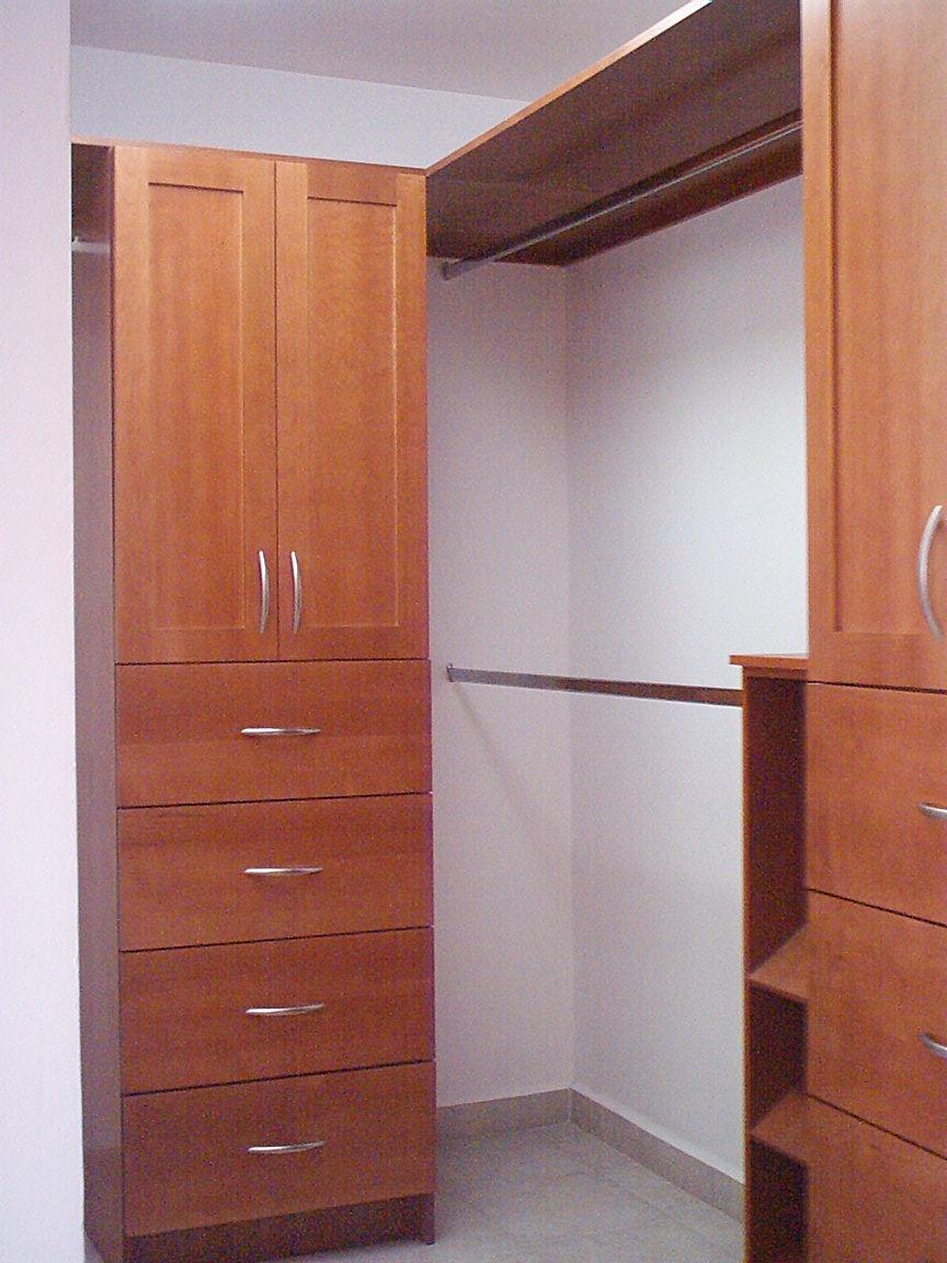 Muebleria mendives closet sobre medida for Closet en escaleras