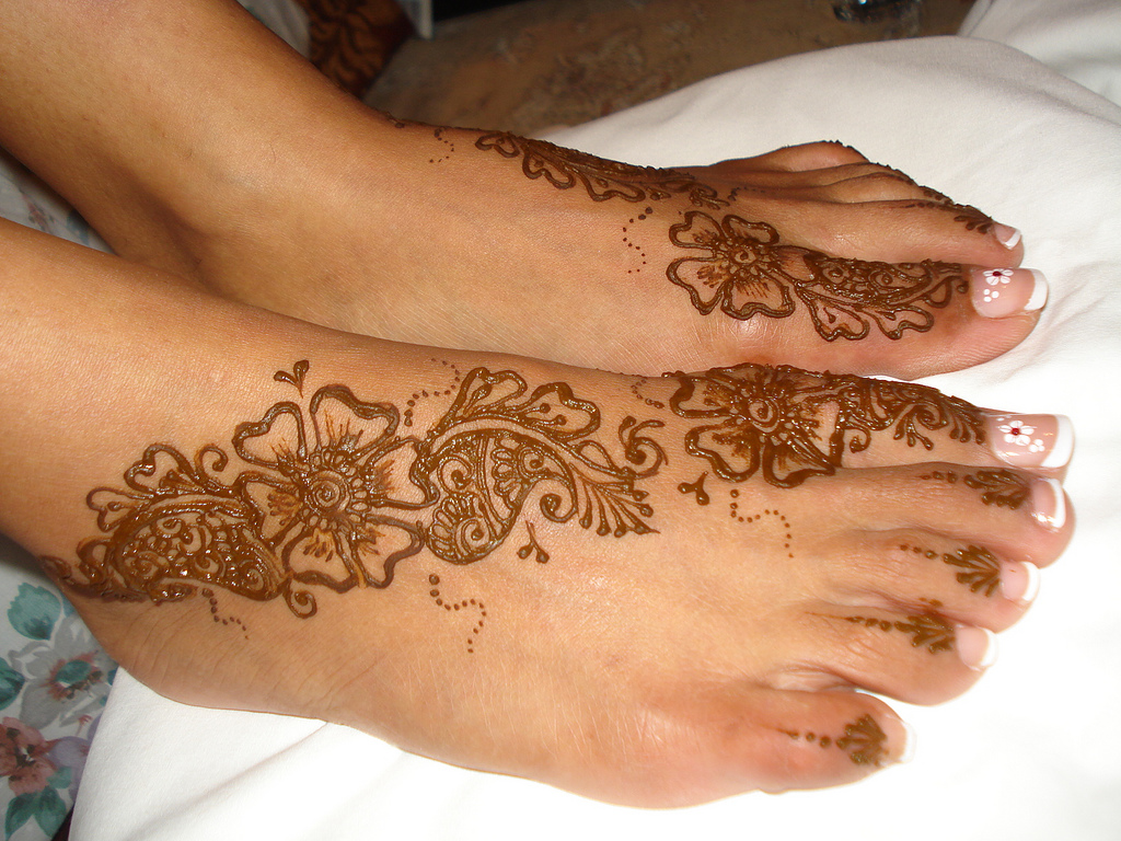Simple Henna Foot Tattoo Designs