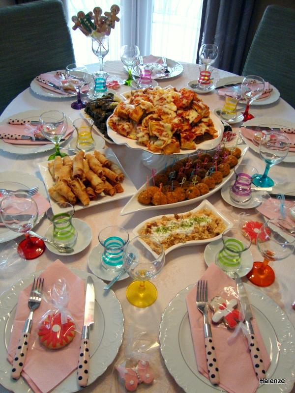 Halenze Özlem'den Resimli Yemek Tarifleri: Doğum Günü Soframız