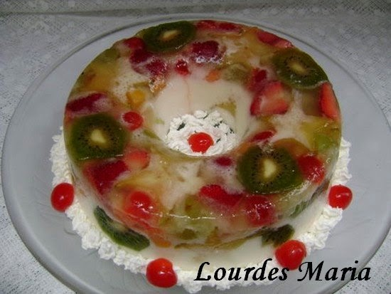 Espelho de Frutas, delícia gelada, com frutas refrescantes da Lourdes Maria.