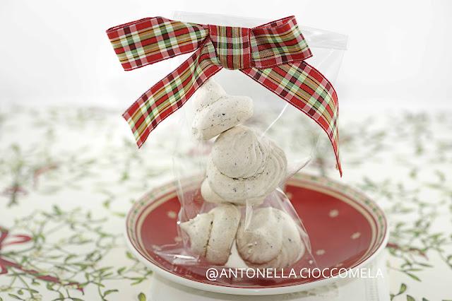 Cioccomela mini meringhe al cioccolato per il calendario for Decorare stanza natale