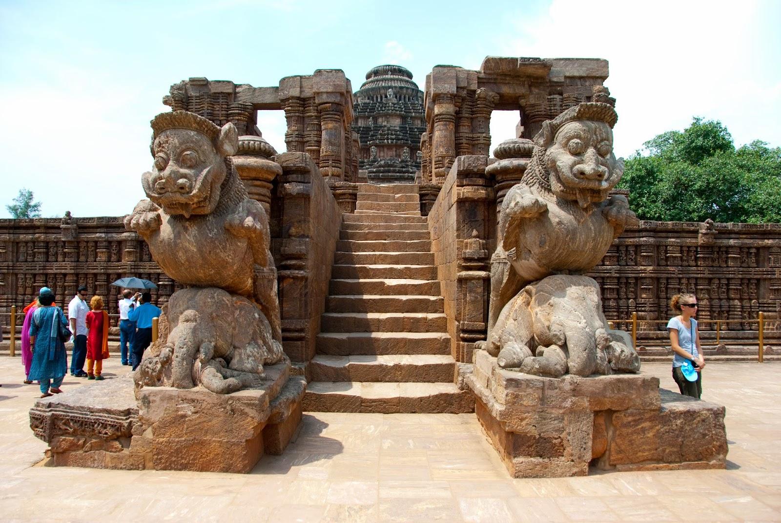 Sun-Temple-Gate-Konark-orisha-inde