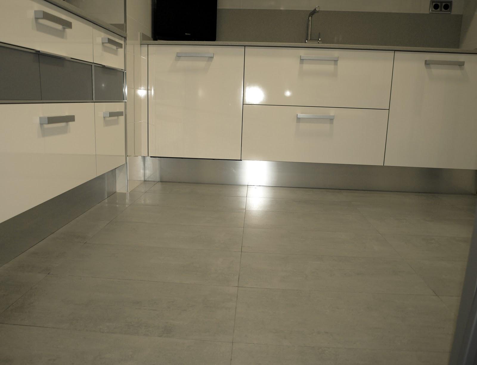 Espai decuina ripollet barcelona proyecto cocina 2 lineas - Suelos de gres para cocinas ...