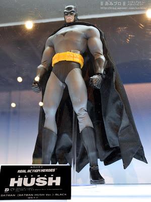 "Medicom RAH Kick-Ass 2 12"" Batman Hush Figure (display image)"