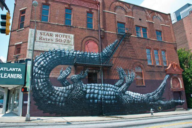 crocodile on wall, croc, street art, art
