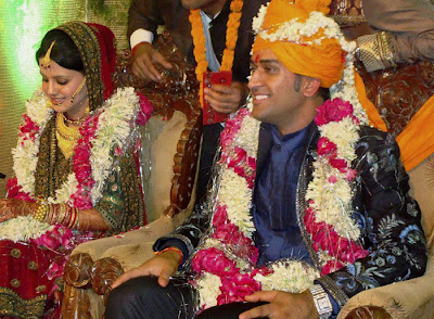 Dhoni wife images