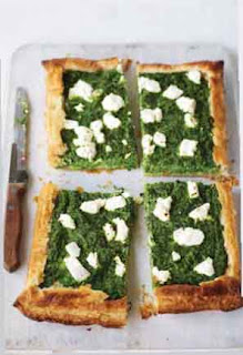 Spinach and goat's cheese puff
