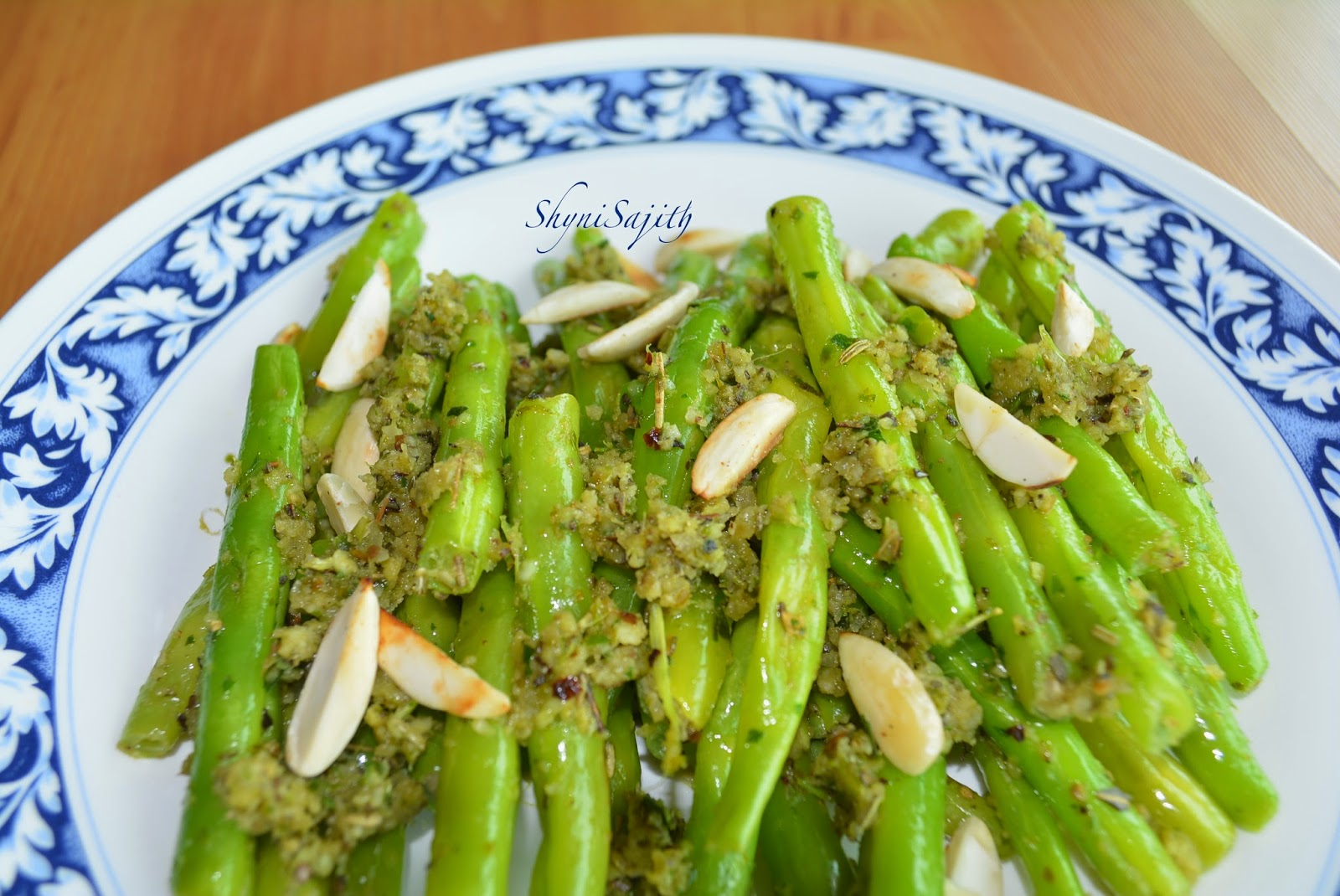 My Cooking Experiments.........: Green Bean with Almond Pesto