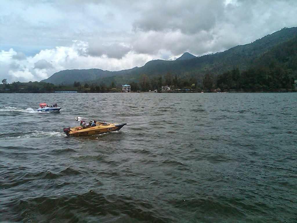 Magetan Jawa Timur, Obyek Wisata Danau Sarangan