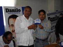 Juan Medina, asistente de diputado Aquiles Ledesma  abandona el partido blanco tras 32 años de militancia
