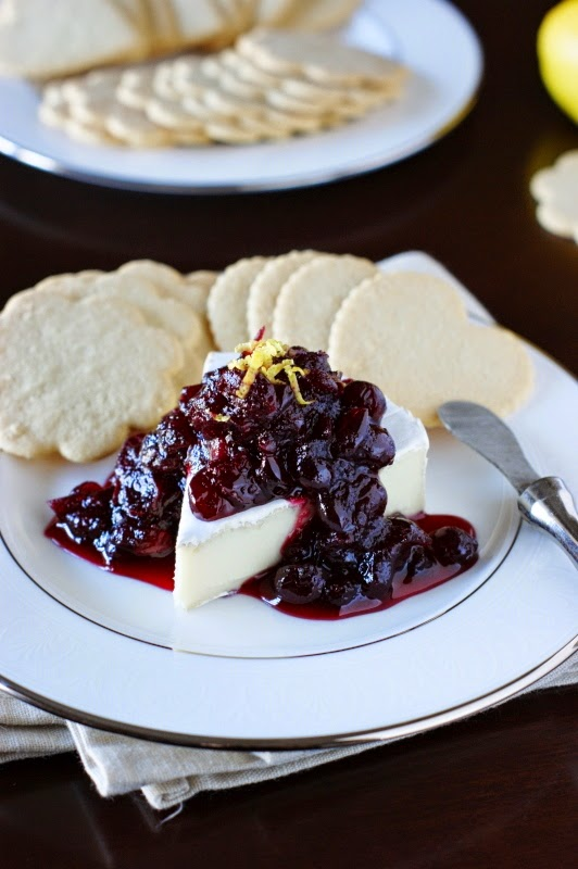Cranberries and Brie on Lemon Thins