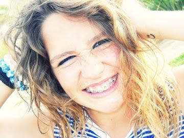 Disfruta la felicidad que ahora tienes, nadie sabe qué vendrá el día de mañana.
