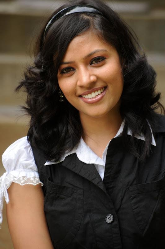 Actress Monica Sharma Stills Gallery unseen pics