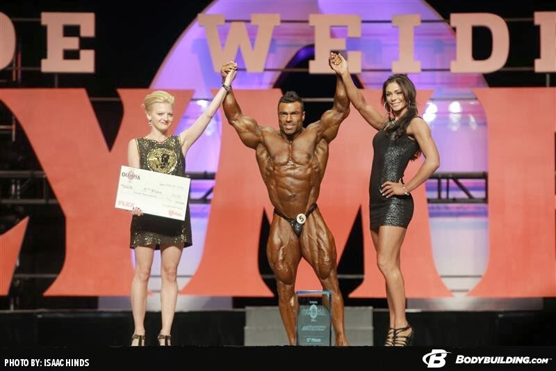 Eduardo Corrêa conquista o quinto lugar e recebe prêmio em dinheiro - Foto: Isaac Hinds