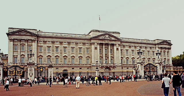 buckingham palace panoramic view