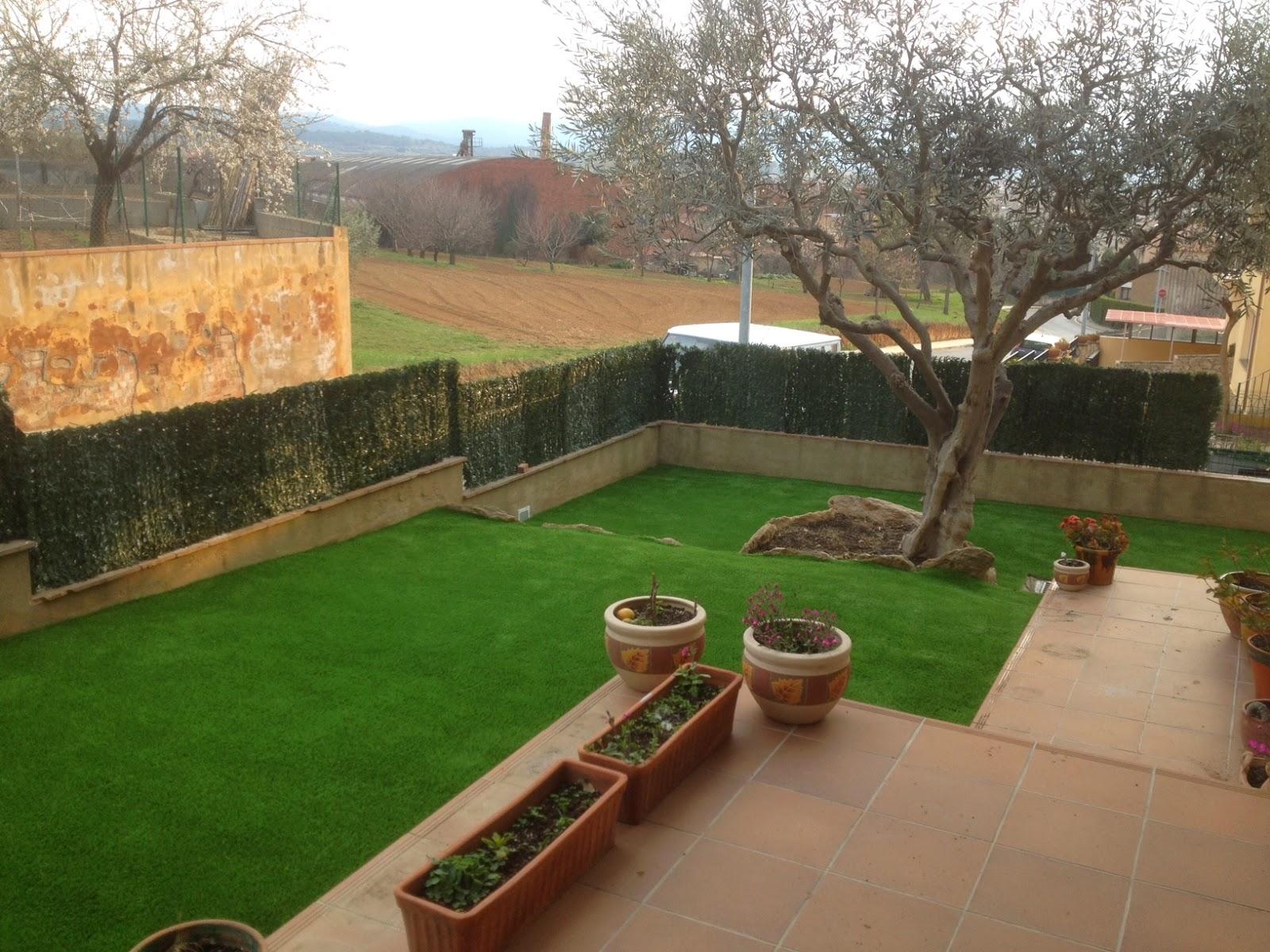 El blog de corvigrass qu puedes decorar con c sped for Materiales para terrazas