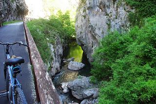 Teverga, vista del río Teverga