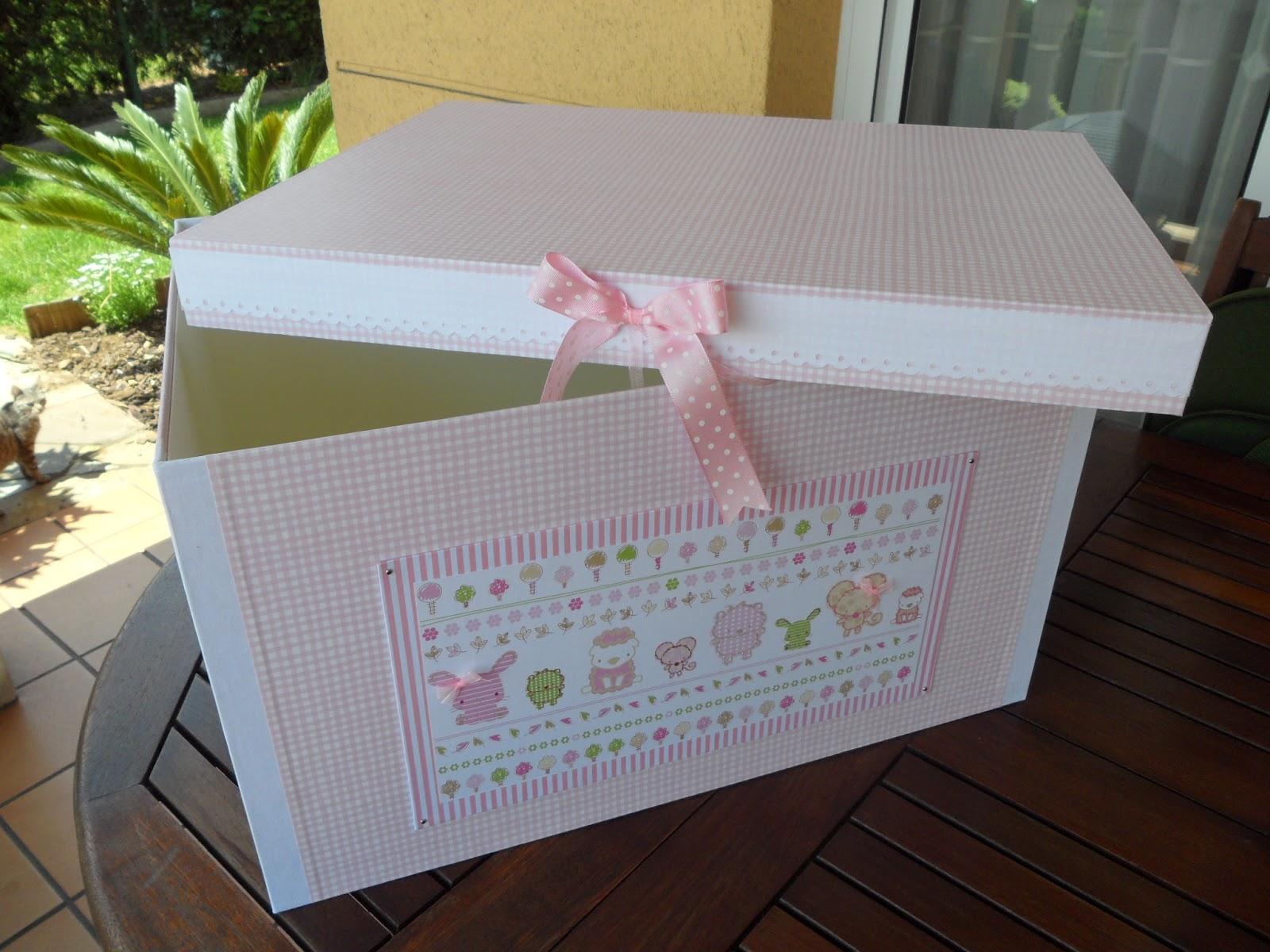 De cart n y trapo caja para guardar la ropa de candela for Cajas de plastico para guardar ropa