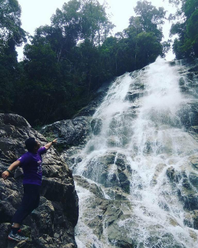 Air terjun di Kaki Bukit Larut