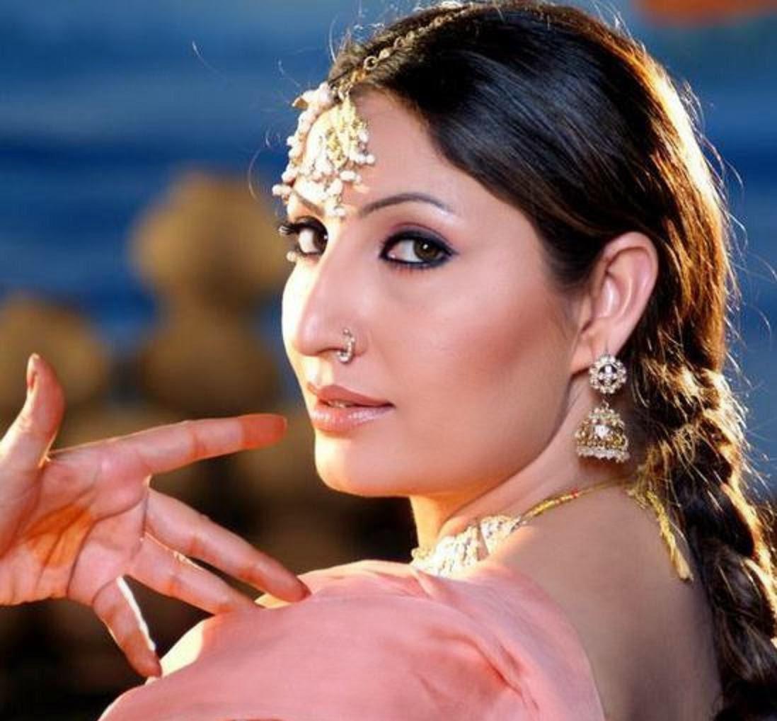 Saima khan picture 21