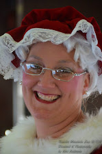 Mrs. Claus performs weddings too