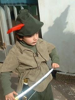 בחטיבה הצעירה לומדים ביחד ילדים מהגן ומכיתה א' כלומר ילדים מגיל 5 עד 7. אנחנו מאמינים שיש ילדים