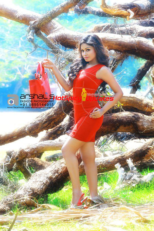 Shritha Sivadas Latest Spicy Hot Portfolio Gallery