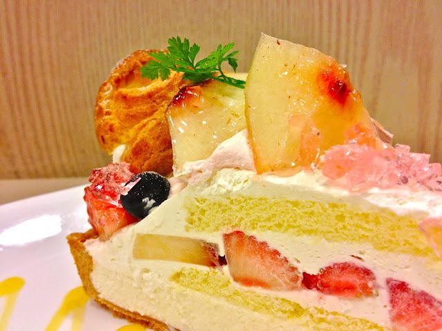 Fruity Puffy cream puff cake tart