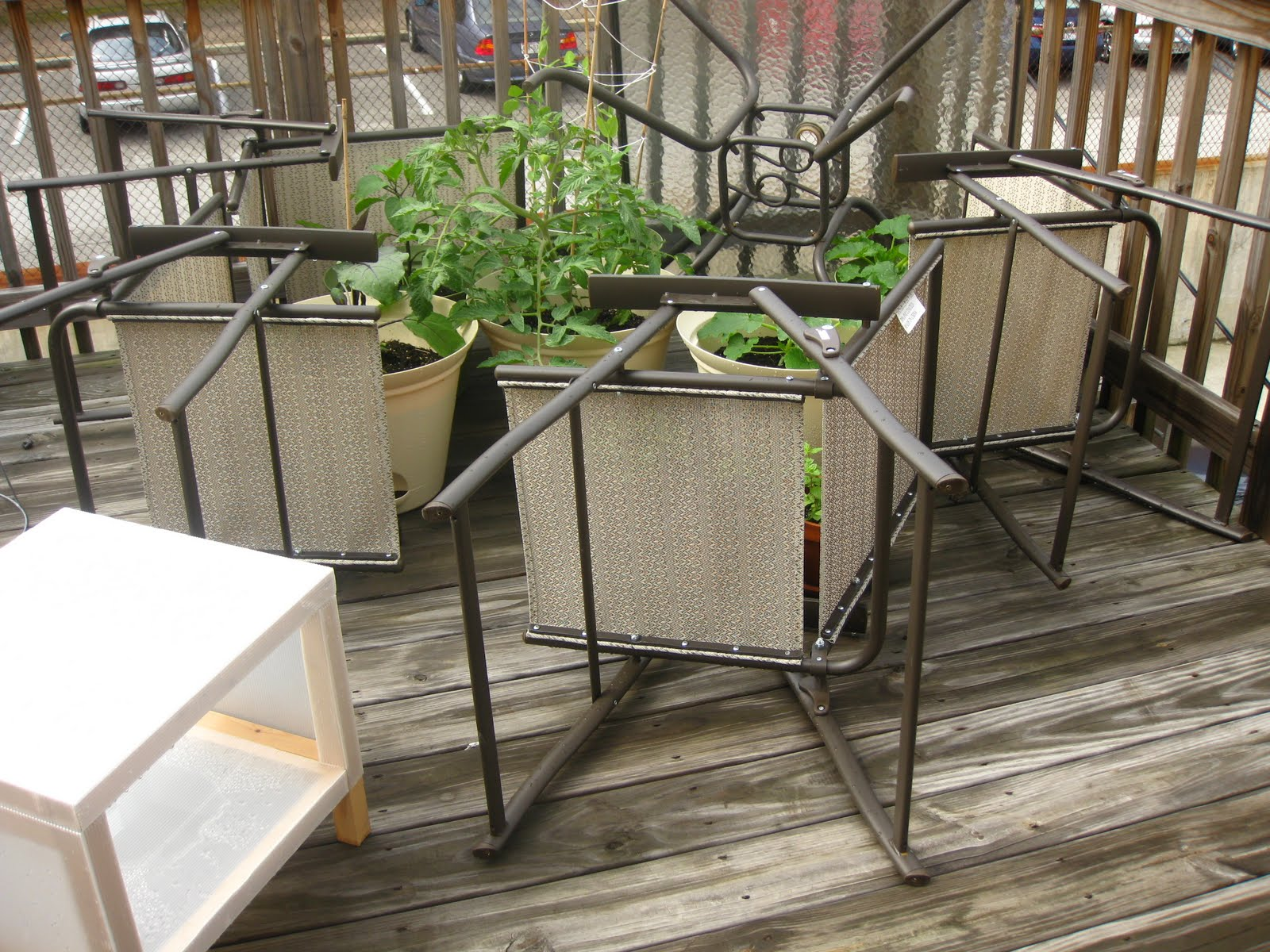 Charm city balcony garden wind barrier for Balcony barrier