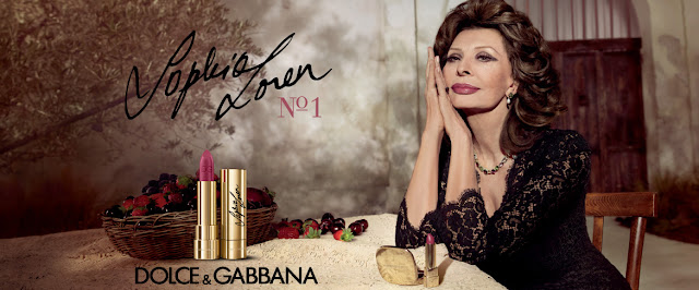 look Sophia Loren, rossetto Dolce & Gabbana