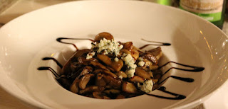 Starter - Mushrooms with crumbled blue cheese
