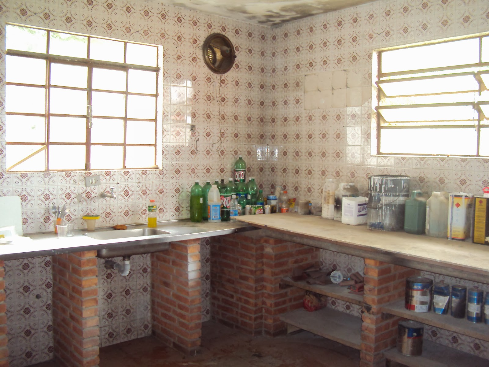 PatyCraft: Reformar a casa gastando pouco #9F792C 1600x1200 Banheiro Com Azulejo Pintado