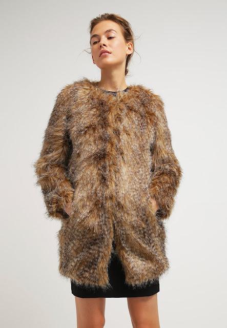 Trend autunno inverno 2015 16 la pelliccia sintetica for Ecopelliccia zalando