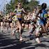 Con espíritu desafiante arrancan 36,000 corredores del Maratón de Boston