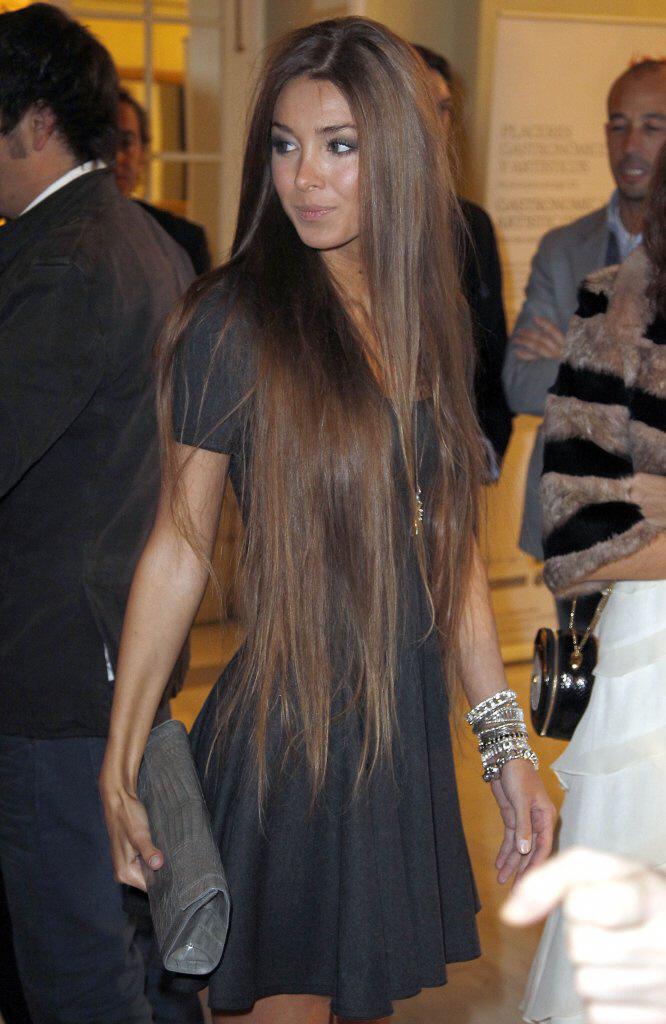 zapuszczanie długich włosów