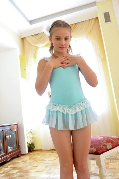 candydoll sharlotta 19 sexy girl and car photos