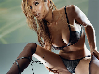 Leeann Tweeden Hot Fox Sports Correspondent