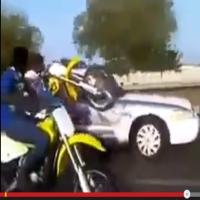 Motoqueiros desafiam a policia em rodovia
