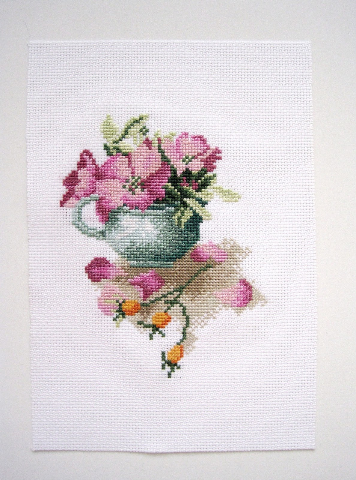 Rose hips in a bowl Lanarte cross stitch вышивка крестиком шиповник