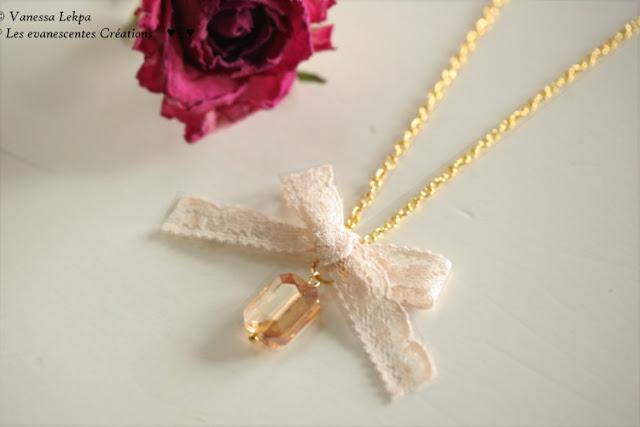 collier doré romantique en dentelle ancienne de calais couleur chair et gros cristal doré champagne créatrice de bijoux vanessa lekpa haute couture
