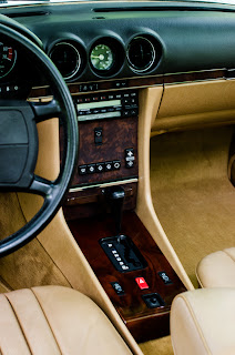 33 Mercedes-Benz 560SL R107 1988