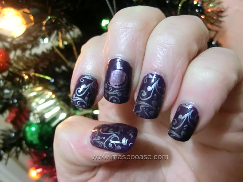 M.A.S.P.O.O.A.S.E. : Christmas Nail Art Challenge - Day 8 - Ornaments