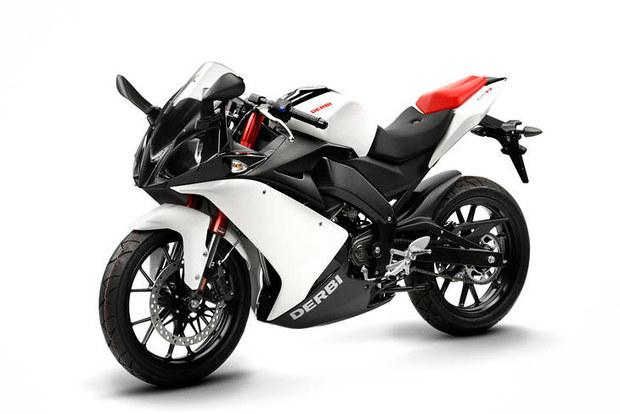 125cc sportbikes 2010 derbi gpr 125 4t 4v. Black Bedroom Furniture Sets. Home Design Ideas