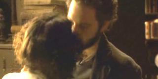 Tristan e Jacinta si baciano foto