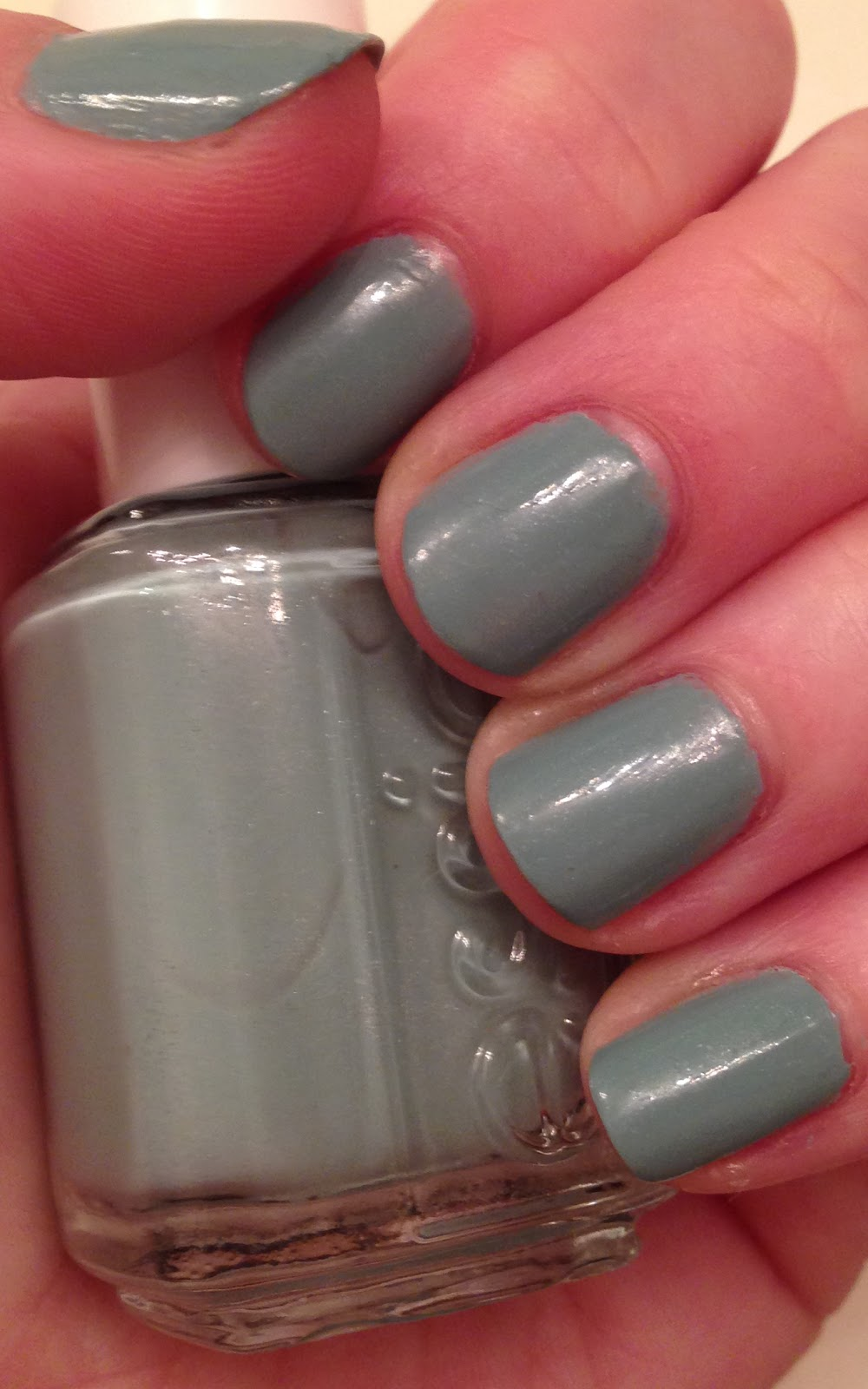 The Beauty of Life: Chill Out: Essie Parka Perfect Nail Polish