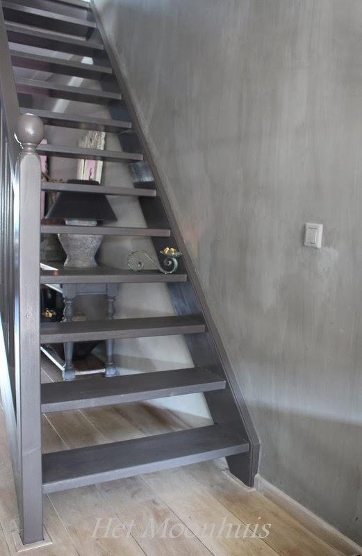Het moonhuis de trap - Witte trap grijs ...