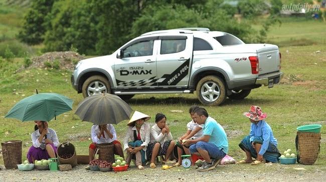 """Người Việt mất tiền oan vì """"lỡ"""" đi ô tô"""
