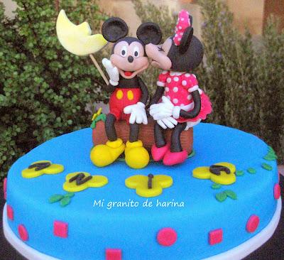 Tarta de Minnie besando a Mickey
