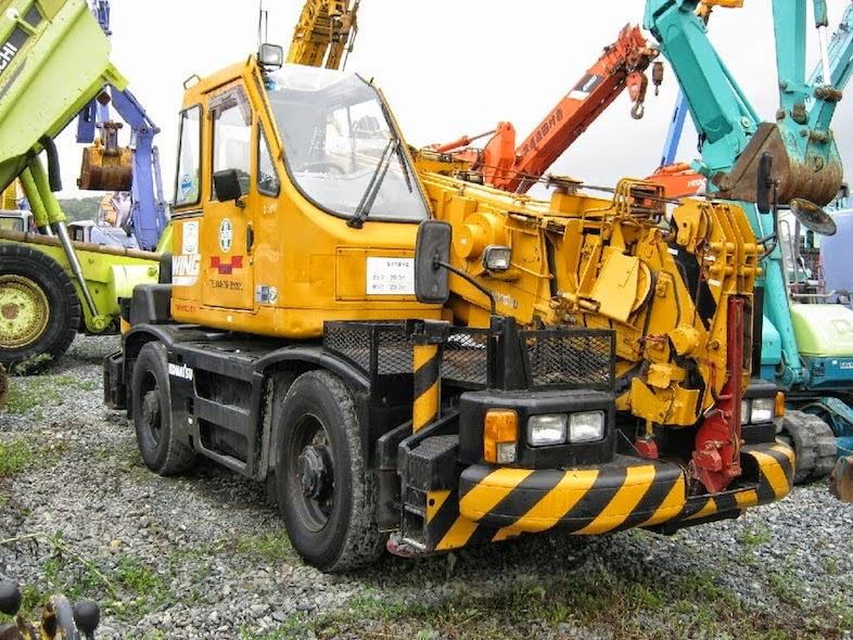Rough Terrain Crane Wikipedia : Komatsu lw rough terrain crane ton cranepedia